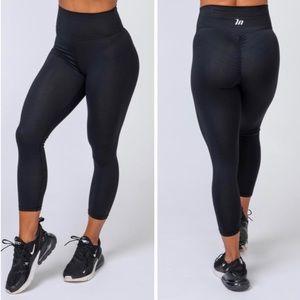 NWOT Muscle Nation - 7/8 Scrunch Bum Leggings
